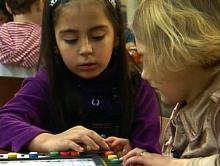 In der Grundschule spielerisch Deutsch als Zweitsprache lernen