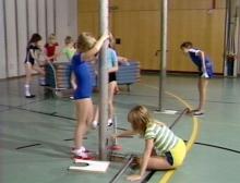 Sportunterricht der Grundschule: Geräteturnen